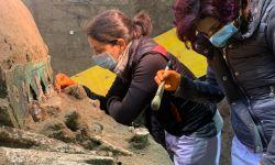 Pesquisadores descobrem carruagem antiga perto de parque arqueológico na Itália